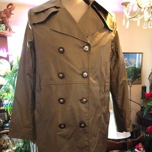 Womens gold coat. Size large. Via Spiga